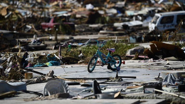 Des biens personnels jonchent le sol à Marsh Harbour, à Great Abaco, le 7 septembre 2019.