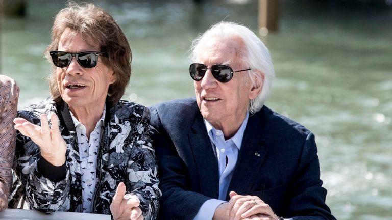 Mick Jagger et Donald Sutherland sont vus arriver au 76ème festival du film de Venise le 07 septembre 2019 à Venise, Italie