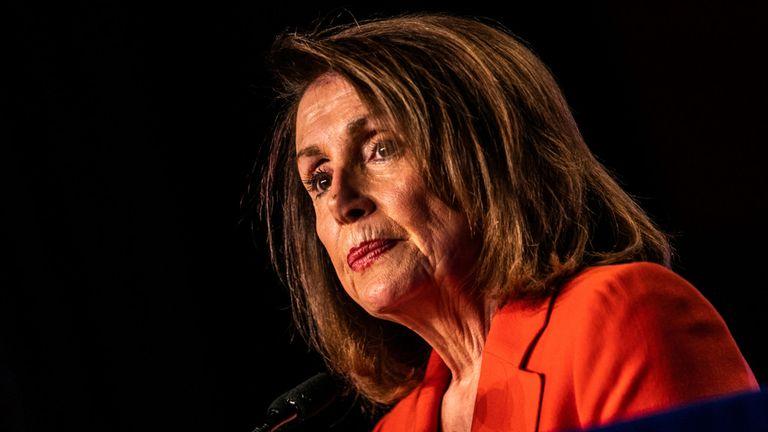 La Présidente de la Chambre des représentants, Nancy Pelosi, prend la parole lors de la conférence législative de 2019 à Washington, organisée par les Syndicats des métiers de la construction en Amérique du Nord.