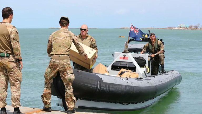 La Royal Navy a acheminé des secours aux Bahamas dévastés par l'ouragan Dorian.