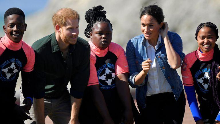 Le duc et la duchesse de Sussex rencontrent des membres de l'ONG Waves for Change