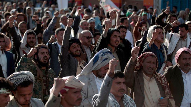 Des partisans houthis se sont réunis pour célébrer le cinquième anniversaire de leur capture de Sanaa