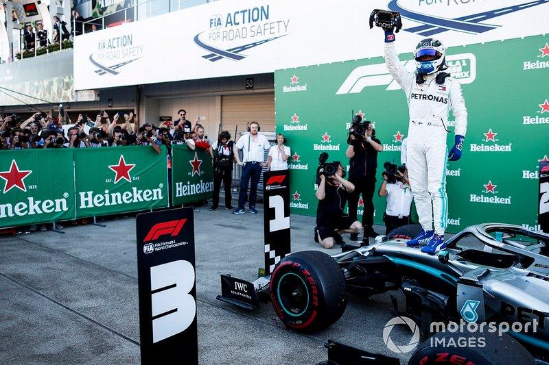 Le Mercedes AMG F1, vainqueur de la course, Valtteri Bottas, se rend au Parc Fermé