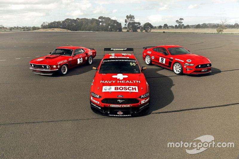 Chaz Mostert et James Moffat, Tickford Ford avec une ancienne génération de voitures de route Ford Mustang