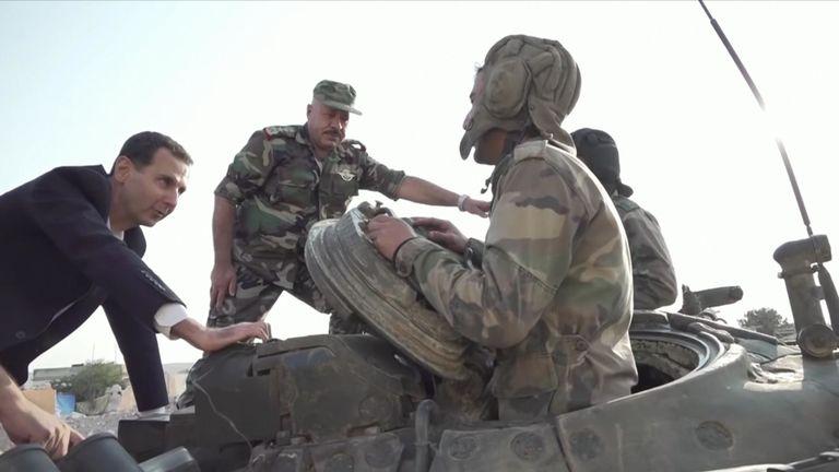 Assad fait une visite rare près des lignes de front d'Idlib