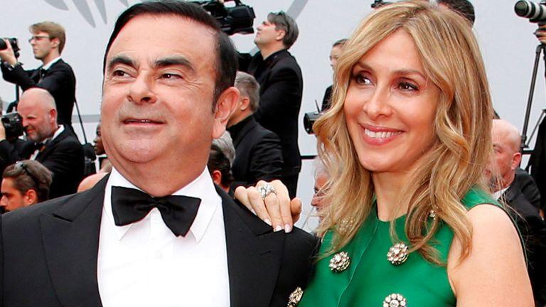 Carlos Ghosn, président-directeur général de l'Alliance Renault-Nissan, et son épouse Carole posent au festival de Cannes 26/5/2017