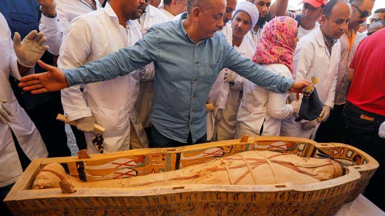 Les cercueils ont été trouvés dans la nécropole Asasif sur la rive ouest du Nil, près de Louxor.