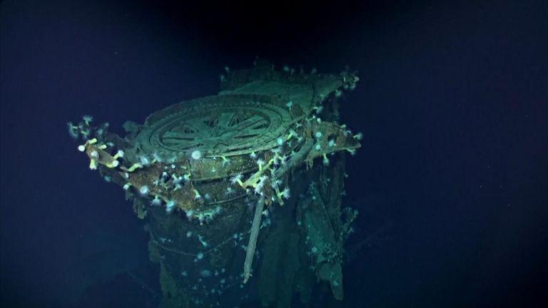 Des explorateurs ont fouillé le Pacifique près du nord-ouest des îles Hawaii