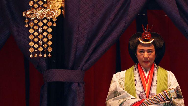 L'impératrice japonaise Masako fait son apparition lors d'une cérémonie pour proclamer l'intronisation de l'empereur Naruhito au monde