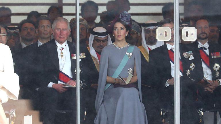 Le prince Charles et la princesse héritière Mary du Danemark lors de l'intronisation de l'empereur japonais Naruhito