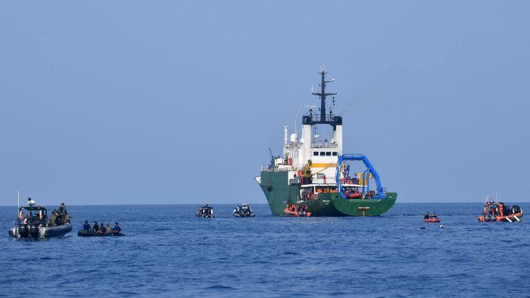 Opérations de recherche pour les victimes et l'enregistreur de données de vol du vol JT 610 du Lion Air