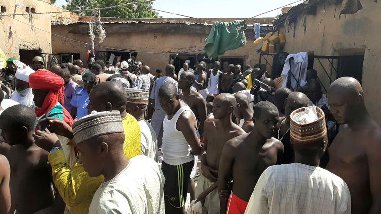 La police libère des centaines de jeunes hommes qui ont été maltraités dans une école nigériane
