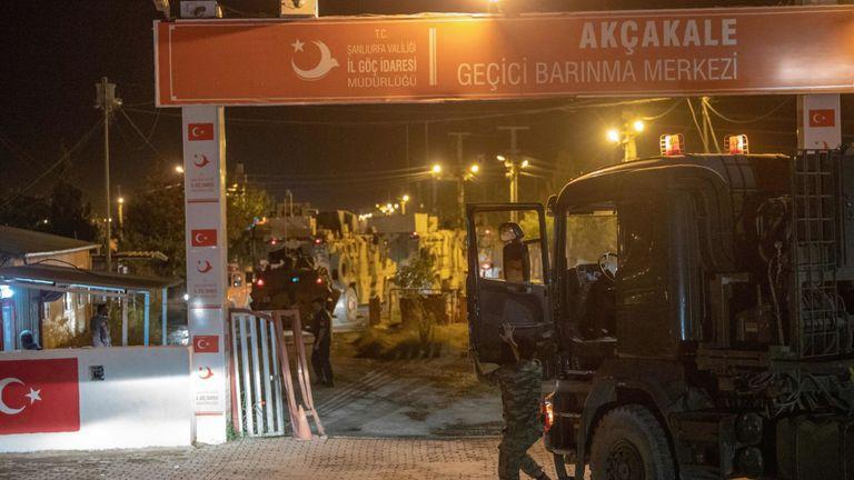 Des soldats de l'armée turque se dirigeant vers la frontière syrienne