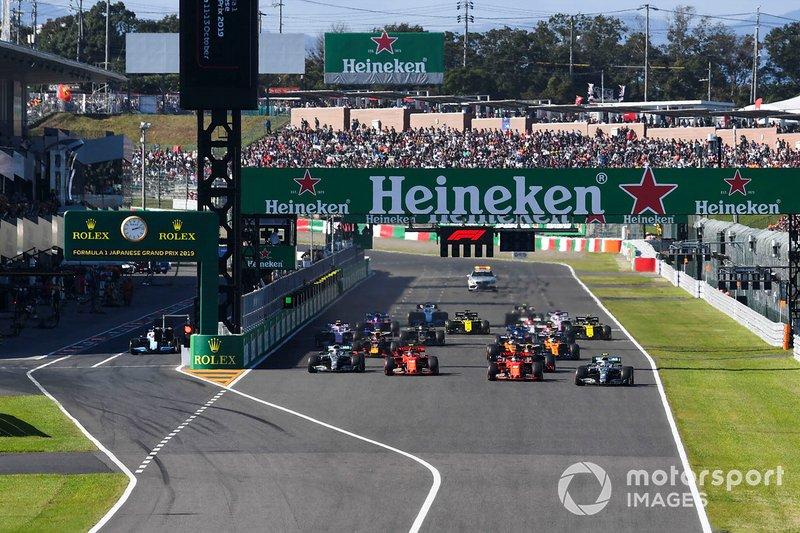 Valtteri Bottas, Mercedes AMG W10, en tête au départ