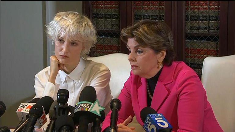La femme non identifiée connue sous le nom de Jane Doe 15 affirme qu'elle était l'une des victimes présumées de Jeffrey Epstein.
