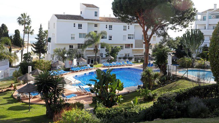 Une vue générale d'une piscine où trois membres de la même famille britannique ont été trouvés