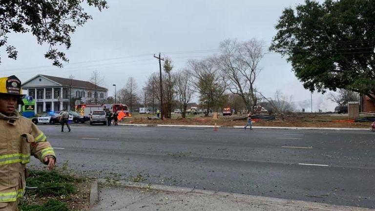 Services d'urgence sur les lieux d'un accident d'avion à Lafayette, en Louisiane. Photo: Mandi A Kestler