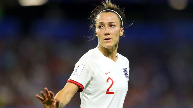 Lucy Bronze, d'Angleterre, réagit lors du dernier match de la Coupe du Monde de la FIFA, FIFA, France entre la Norvège et l'Angleterre, au Stade Oceane le 27 juin 2019 au Havre, en France