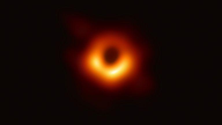 Première image publiée par la collaboration de scientifiques après un projet de deux ans de collecte de données