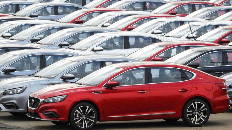 Les voitures de fabrication chinoise sont prêtes à être exportées, les ventes d'automobiles du pays chutant fortement