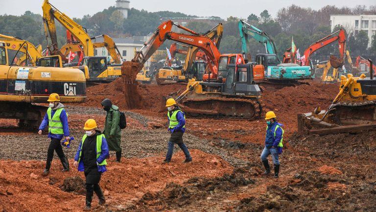 Un hôpital est en construction à Wuhan