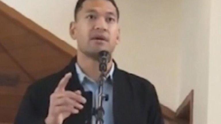 La star disputée du rugby, Israel Folau, a affirmé que permettre aux enfants d'être transgenres était l'œuvre du `` diable ''