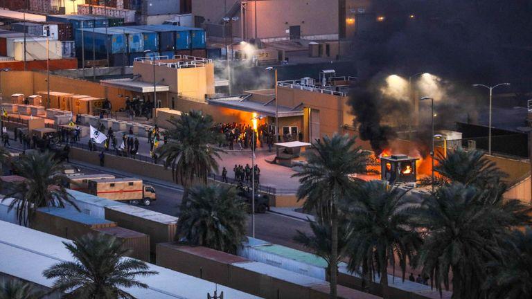 Des manifestants ont pris d'assaut l'ambassade américaine à Bagdad
