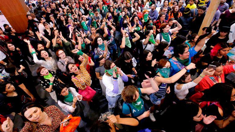Des manifestations contre la violence à l'égard des femmes ont eu lieu à travers le Mexique