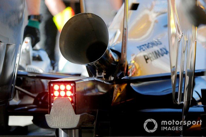 Nico Rosberg, Mercedes AMG F1 W05 teste une configuration d'échappement plus bruyante