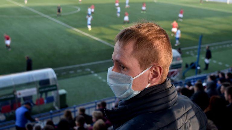 Le football professionnel s'est arrêté dans le monde entier - pas au Bélarus
