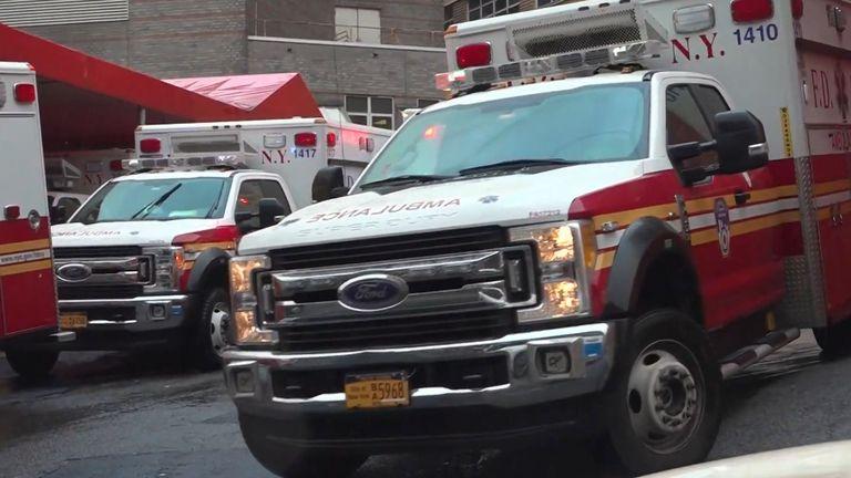 Un médecin de New York a décrit les conditions dans son hôpital comme étant «apocalyptiques».