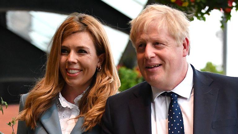 Le voyage du couple est intervenu après la victoire électorale du PM en décembre