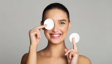Comment se démaquiller : 7 conseils d'experts en cosmétiques