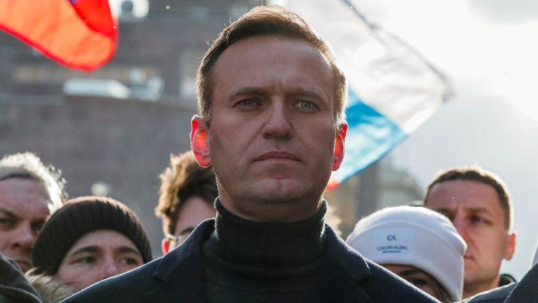 Alexei Navalny se bat pour sa vie à l'hôpital