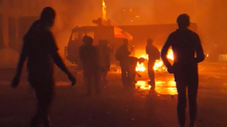 Les manifestations font rage dans les rues de Beyrouth