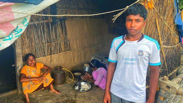 Un élève de l'école gratuite Satyendra Pal Shakya