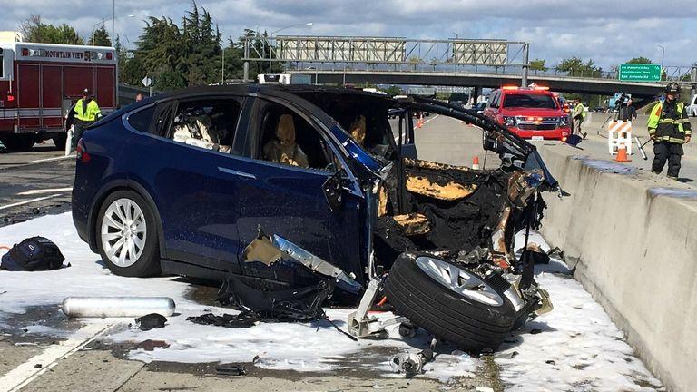 La collision mortelle s'est produite en Californie en mars 2018. Pic: KTVU / NBC News
