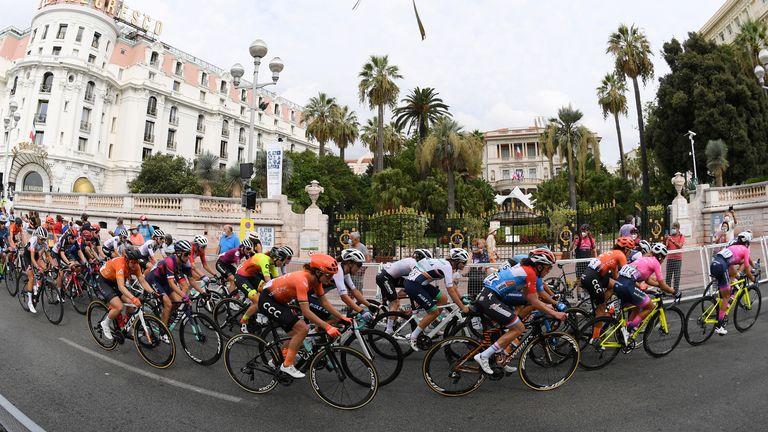 Cyclisme - La Course by Tour de France - Nice, France - 29 août 2020. Vue générale pendant la course.  Piscine via REUTERS / Stuart Franklin