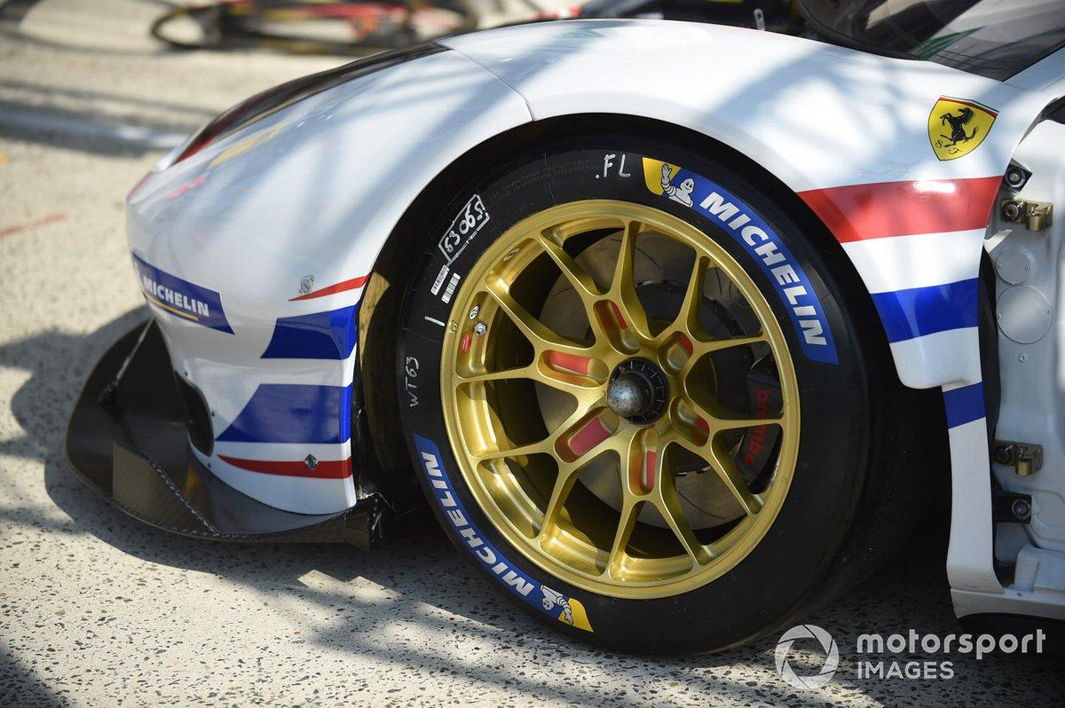# 63 Weathertech Racing - Ferrari 488 GTE EVO, détail