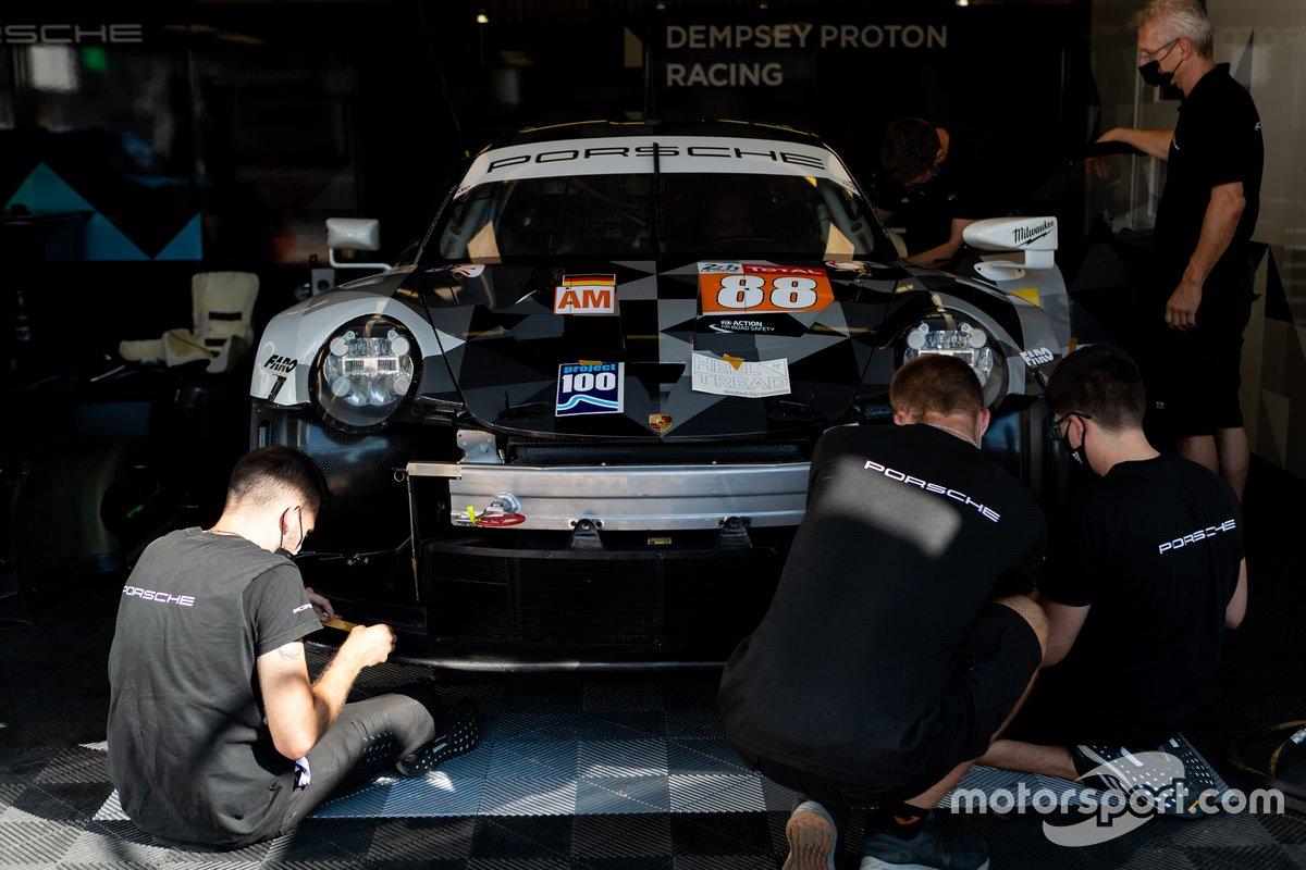 # 88 Dempsey-Proton Racing - Porsche 911 RSR: Thomas Preining, Dominique Bastien, Adrien De Leener