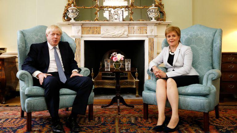 Nicola Sturgeon et Boris Johnson