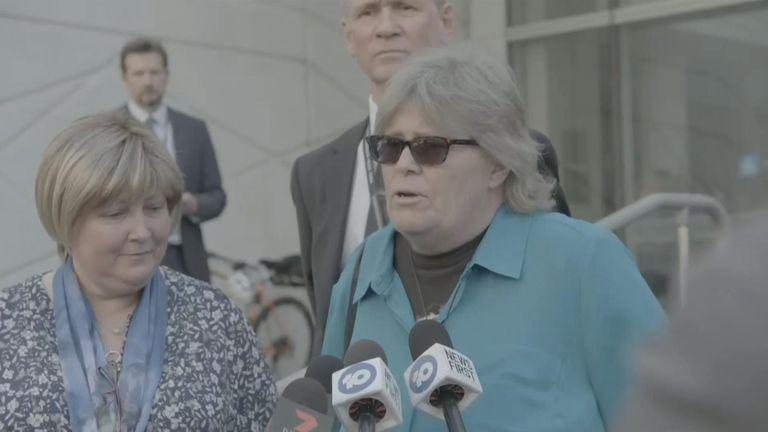 La soeur de Jane Lee Rimmer s'exprimant devant le tribunal