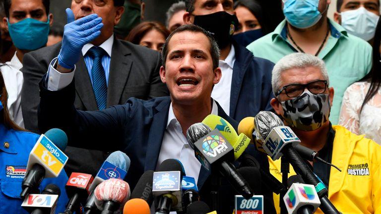 Le chef de l'opposition vénézuélienne et président par intérim autoproclamé Juan Guaido