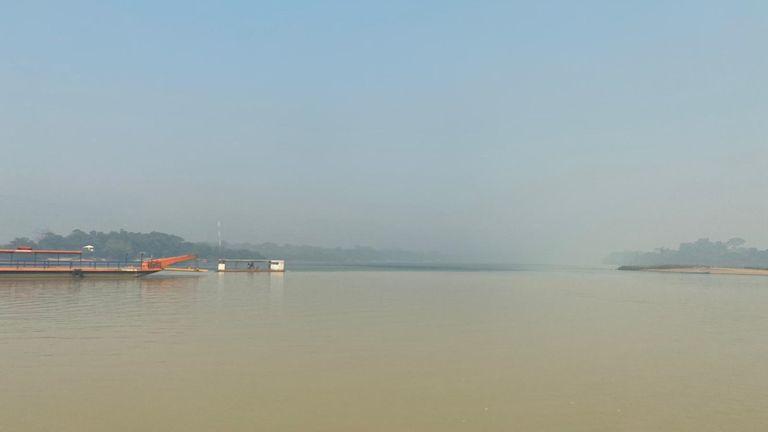 Smog sur la rivière