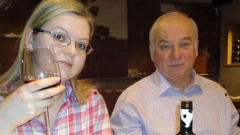 Sergei et Yulia Skripal ont été attaqués au novichok et retrouvés affalés sur un banc à Salisbury en mars