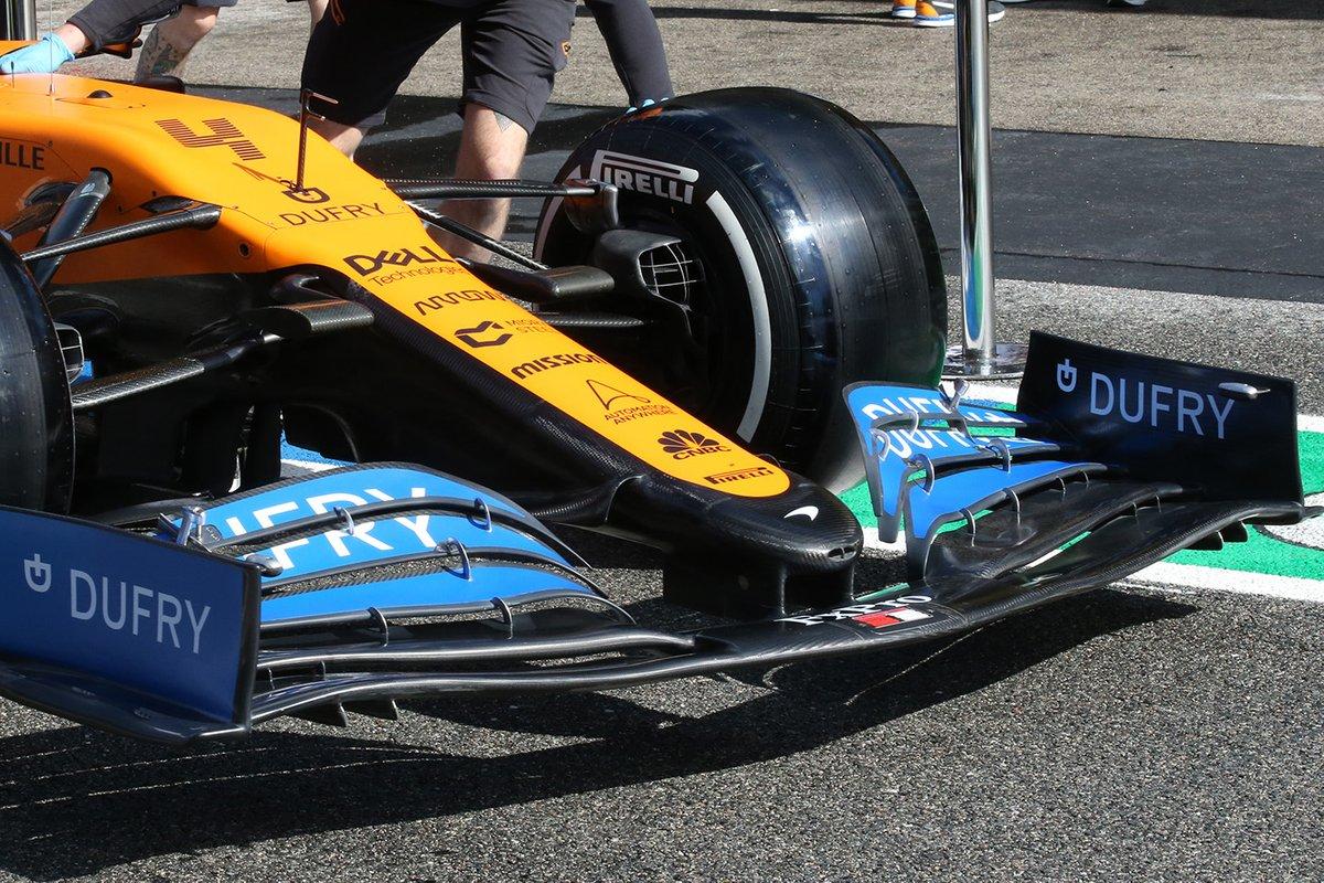 Détail de l'aileron avant de la McLaren MCL35