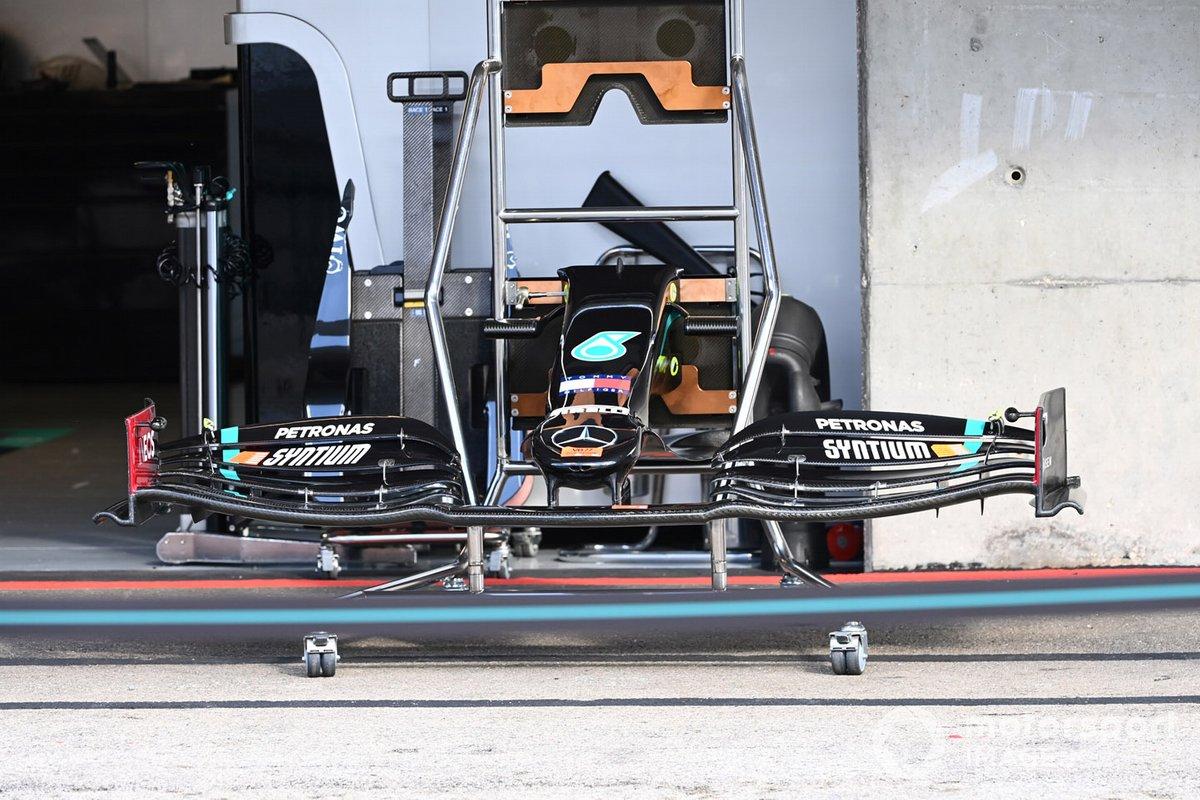 Détail technique Mercedes