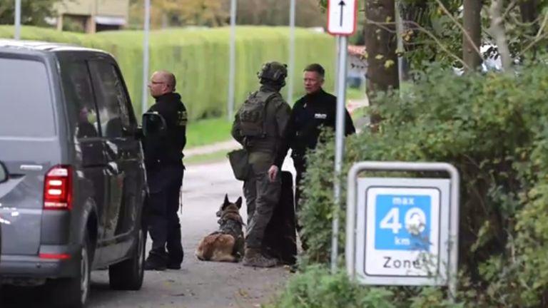 Services d'urgence sur les lieux.  Pic: TV2.DK