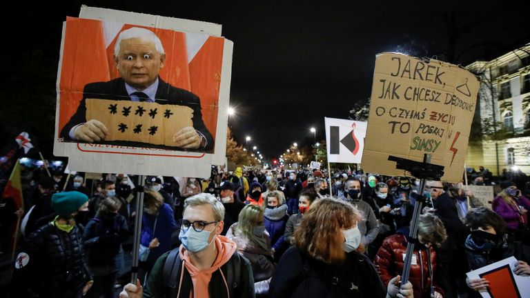 Manifestations contre l'avortement à Varsovie