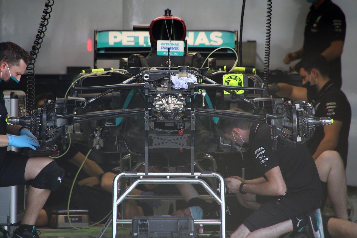 Vue avant de la Mercedes F1 W11 avec DAS
